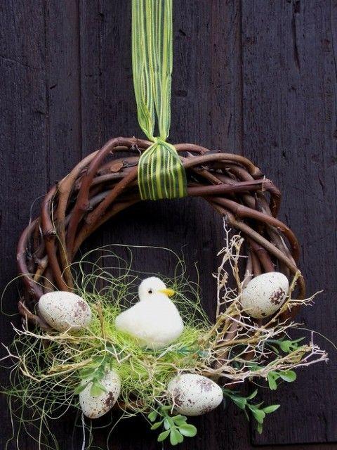 Věnec s kačenkou jarní věnec jaro velikonoce velikonoční na zeď na dveře kačenka