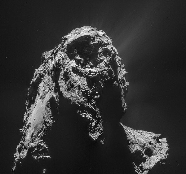 Strange Comet Discoveries Revealed by Rosetta Spacecraft It's craggy, powdery, mysterious, and even holds the building blocks of life. Scientists are now getting an up-close-and-personal view of a comet flying through deep space, thanks to Europe's Rosetta spacecraft. The Rosetta mission has now found that Comet 67P/Churyumov–Gerasimenko's is  even stranger than initially expected.