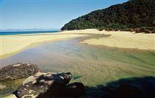 Abel Tasman National Park. Image: Andy Dennis.