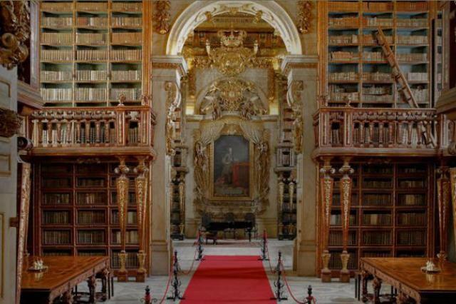 A Biblioteca Joanina, em Coimbra, entre as 10 mais bonitas do Mundo