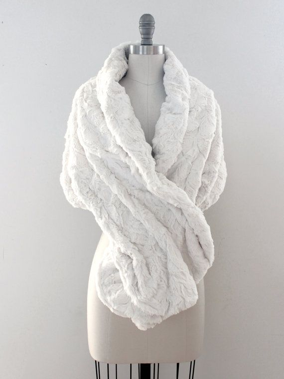 Wedding shawl | Winter Wedding | Bridal Fur Stole | Faux Fur Wrap [York Fur Shawl: Ivory Pearl]
