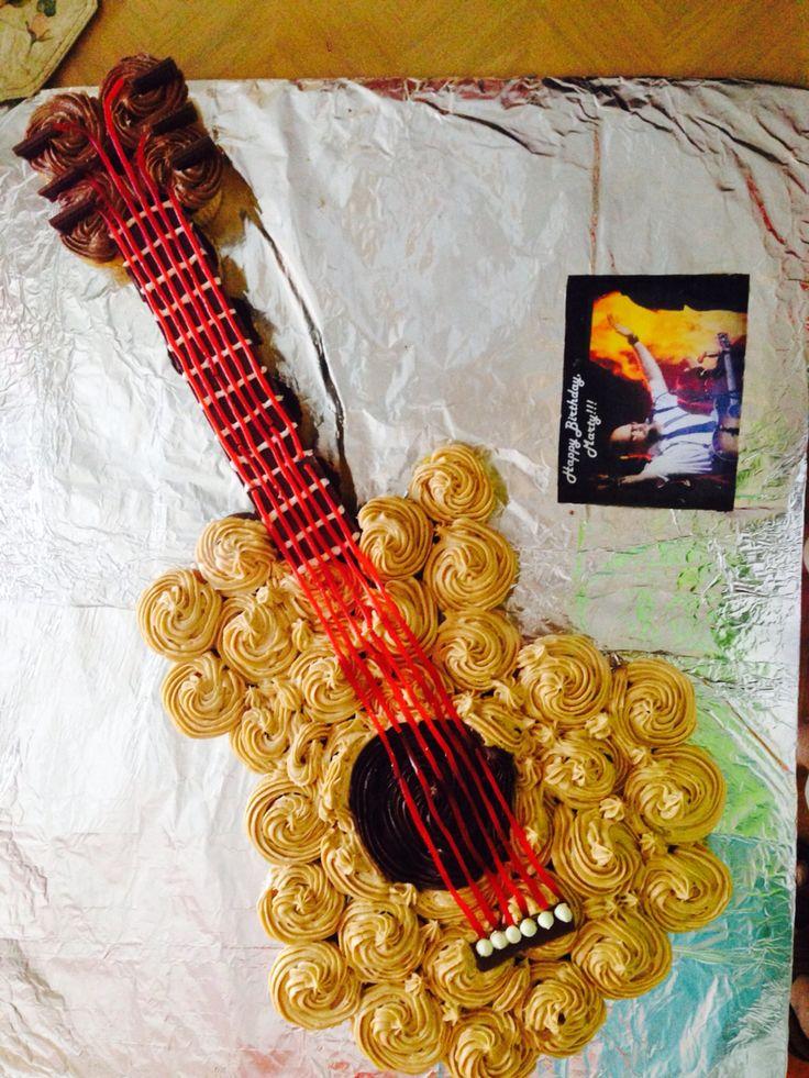 Guitar cupcake cake Cupcake cake Pinterest Cakes