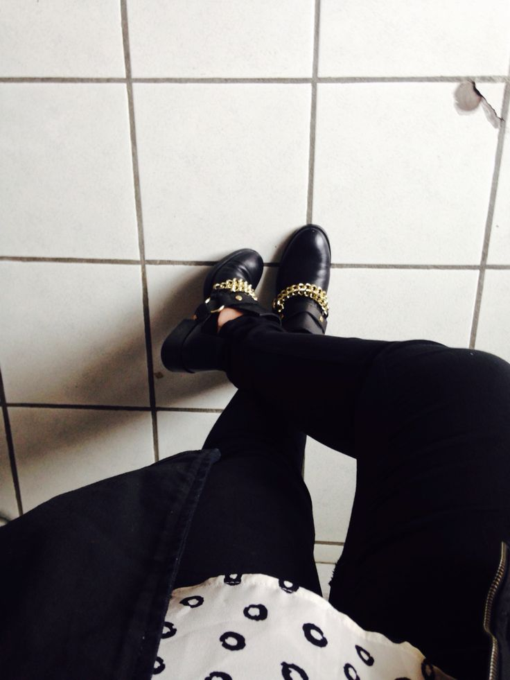Boots>> Zara Basic