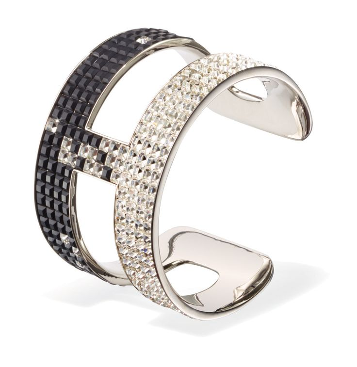 Victor & Rolf Frozen Crystal Cuff, SWAROVSKI #STCLuxeGuide #Toronto #Beauty #Fashion #Jewellery #Holiday