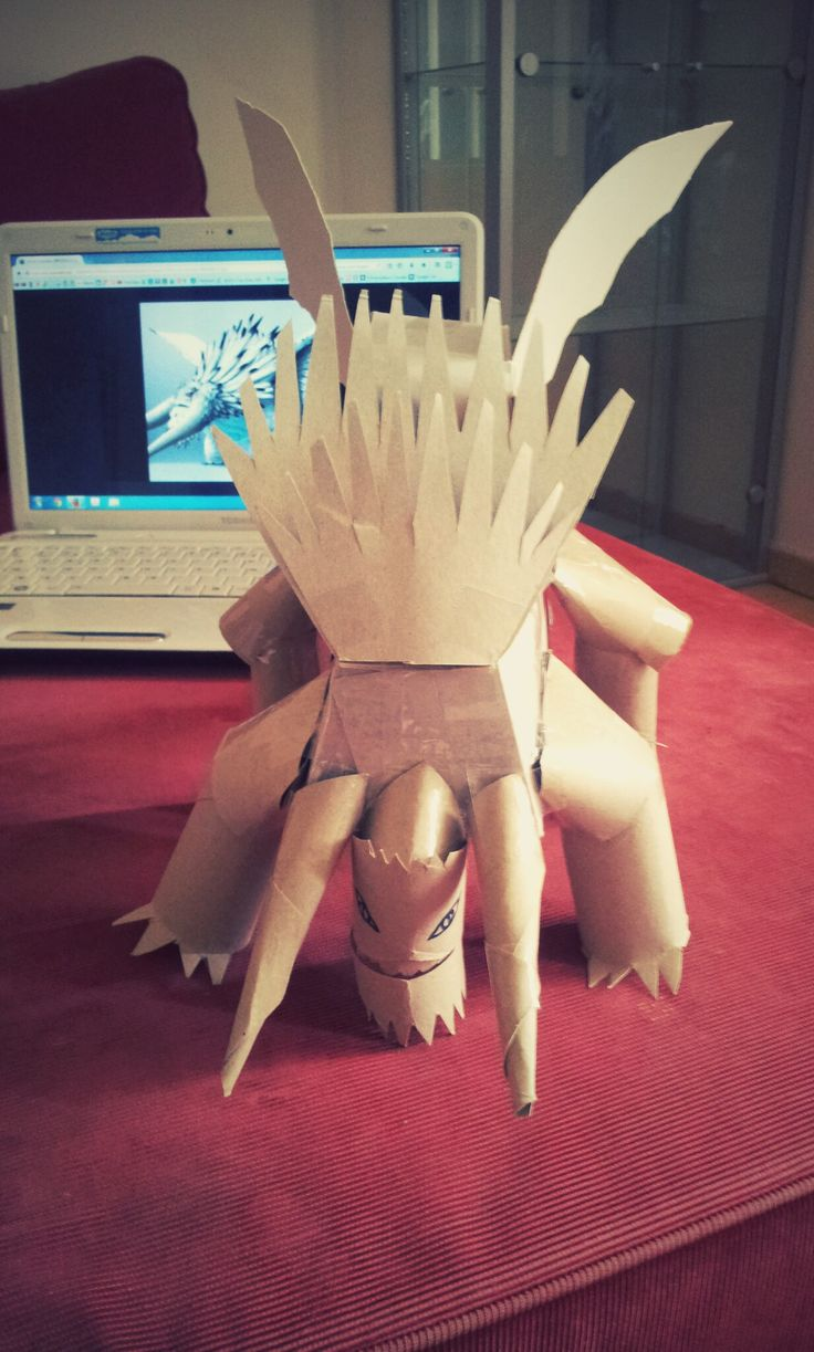 Cardboard Alpha dragon from 'How To Train Your Dragon 2'