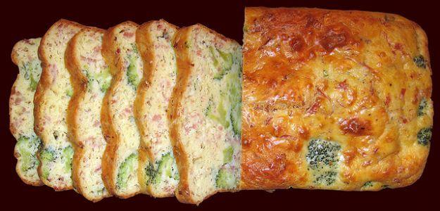 Ricetta del pane all'uovo con broccoli, formaggio e prosciutto | Ricette di ButtaLaPasta