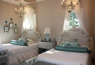 girls' room: Guestroom, Twin Girls, Guest Bedrooms, Girls Bedrooms, Twin Beds, Little Girls Rooms, Guest Rooms, Princesses Bedrooms, Gray Wall
