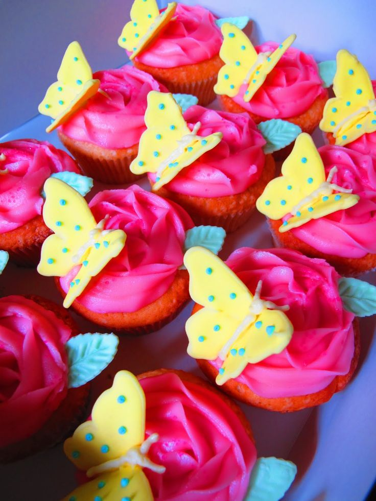 Butterfly+Birthday+Cake+Cupcakes | Tortelicious: Flower & Butterfly Cupcakes & Birthday Cake