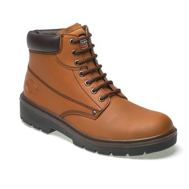 This Dickies Antrim boot has a dual-density steel toecap that conforms to Standard EN20345, and PU sole that is both oil and slip-resistant.