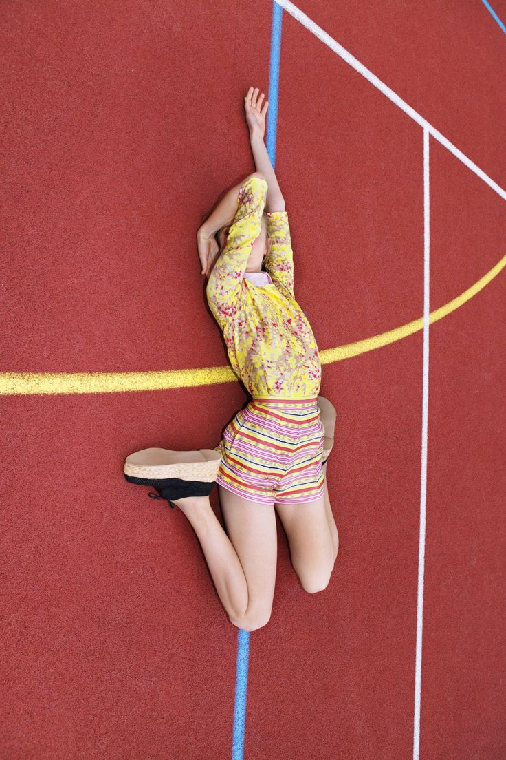 nowness:   VIVIANE SASSEN: IN & OUT OF FASHION Read More