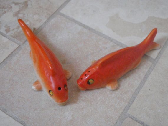 1000 images about vintage salt pepper shakers on for Koi fish and goldfish