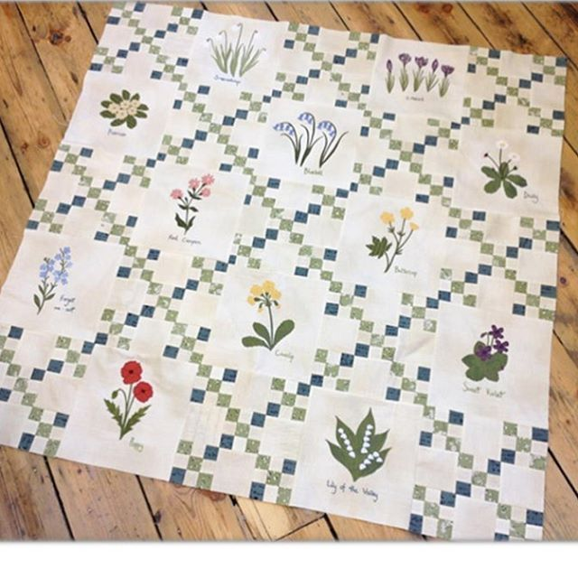 Here's my finished #wildflowerquiltalong2016 and I'm really happy with it! @chiefofeverything is almost ready to send the last newsletter of the year to all members of my email club. Thank you for all your support and encouragement this year x