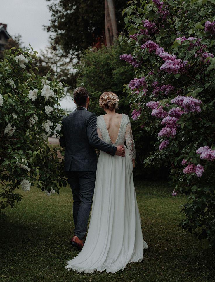 Vintage Vermont wedding with a Rue de Seine wedding dress