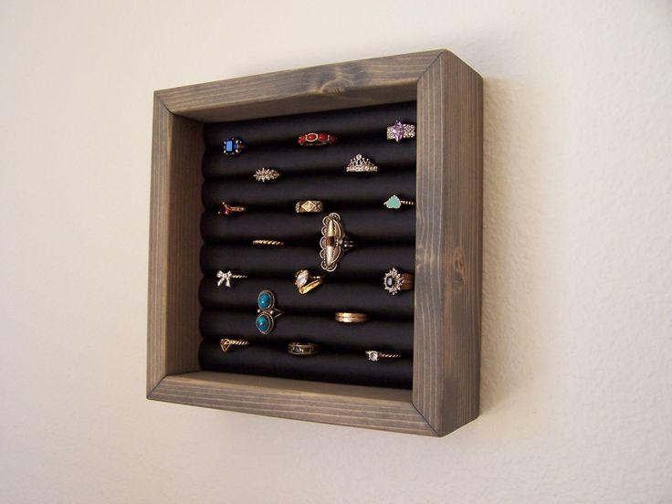 Support de bague d'anneau Collection bague par barbwireandbarnwood