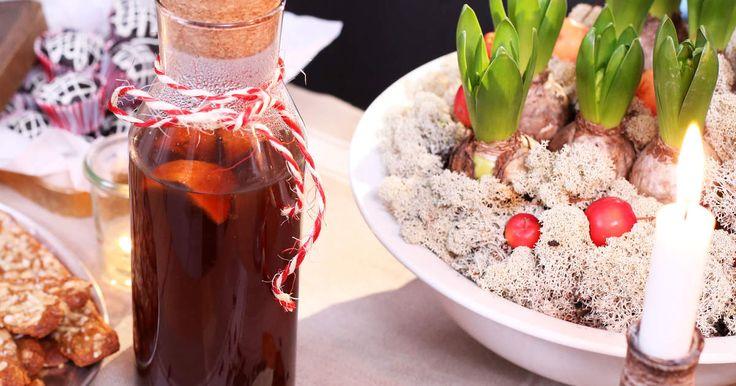Hemlagad essens att blanda med varmt vin för ett gott och värmande glühwein.