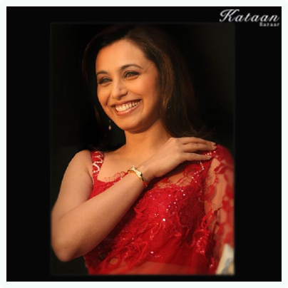#Rani Mukherjee with an amazing smile in a RED hot saree