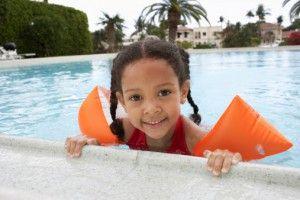 Los accidentes de niños en las piscinas pueden acabar en ahogo en menos de 3 minutos. Toma nota de estos consejos para evitarlos.