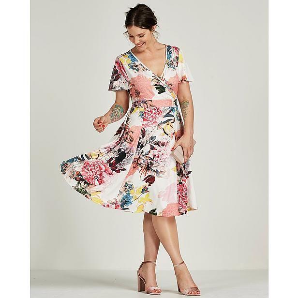 https://www.wehkamp.nl/damesmode/grote-maten-dameskleding/grote-maten-jurken/belloya-jurk/C21_1A7_A72_147818/?MaatCode=0440