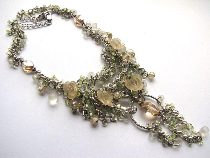 """Колье """"Нежность"""" с использованием мелких кристаллов """"Swarovski» и крупного кристалла в подвесе, стекло, металл.27$. Длина 42 см.,подвес 9 см."""