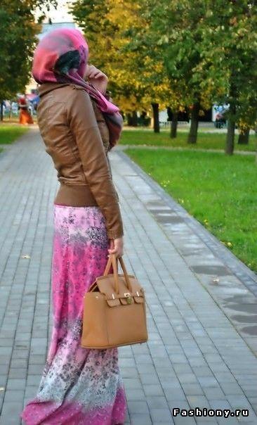 love the maxi skirt! #hijabi #hijab #style #fashion