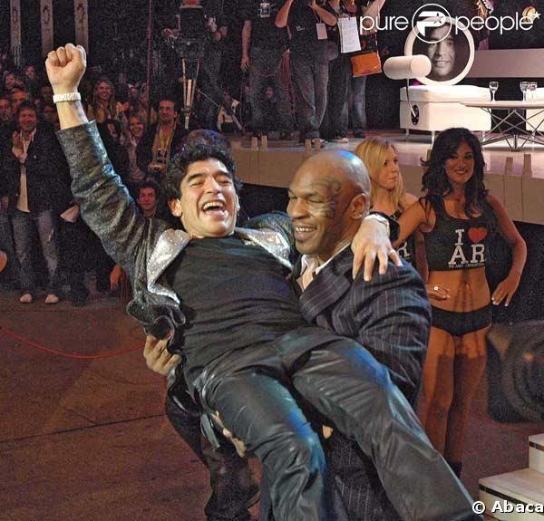 Le légendaire numéro 10 de la sélection Argentine, Diego Maradona, et le mythique poids lourd Mike Tyson auront chacun leur film au festival de Cannes