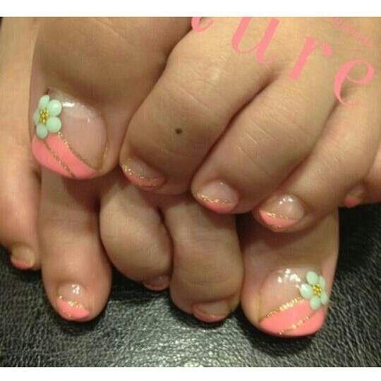 Nails pedicure