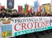 Crotone24news.it Il quotidiano Crotone24news propone le ultime notizie di cronaca dal crotonese, non solo dalla città di Crotone, ma anche dalla sua provincia del marchesato crotonese. Un quotidiano con informazioni sulla cultura e sulle tradizioni crotonesi, con una sezione intera dedicata alla Calabria.