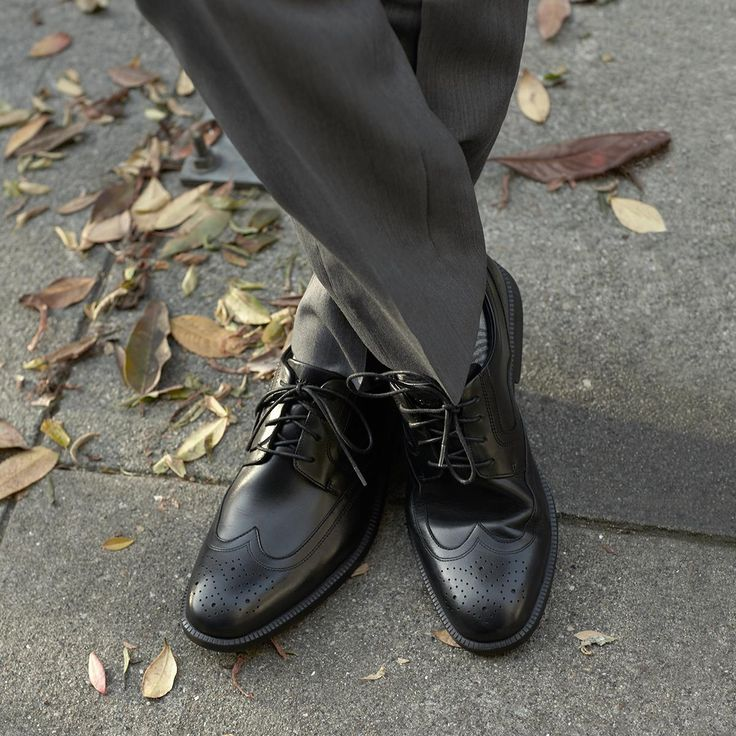 Comfortable and modern men's wingtips are available in both dress and dress  casual styles from Rockport® shoes.