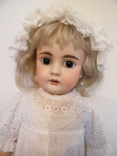 BEAUTIFUL-ANTIQUE-BAHR-amp-PROSCHILD-224-CHILD-DOLL-CIR-1888-0N-LOVELY-CLOTHES