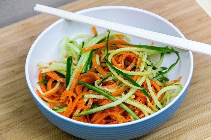 Детокс — салат из огурца и моркови