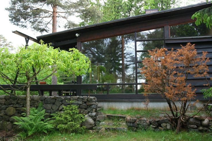 spaces places | místa prostory: Wenche Selmer, Houses at the Oslo Suburbs