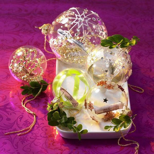 Hängt dieses Jahr am Baum: Geld in der Weihnachtskugel