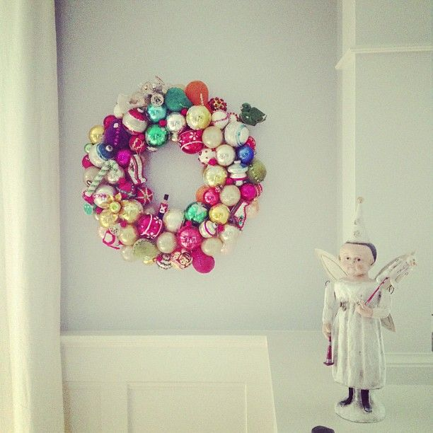 Have a few too many ornaments hanging around? Make a vintage ornament wreath.