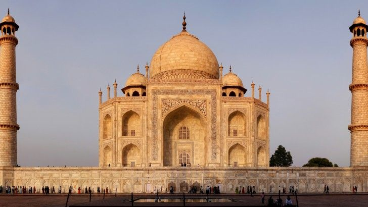 Roshan Taj Mahal