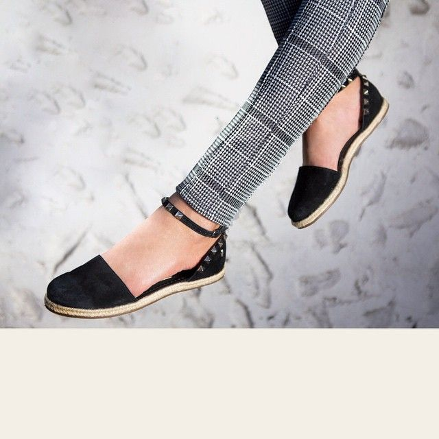 Espadrille com spikes - Santa Lolla shoes