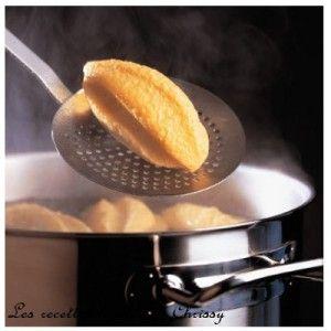 pour 4 Personnes et 7 PP/Pers : 8 quenelle de volaille 50g 400ml lait demi ecreme 50g de farine 4 Cs de creme allegée 15 % 1 Cs de concentré de tomates Préparer une béchamel rapide : Mettre le lait à bouillir. Diluer la farine dans quelques cuillère de...