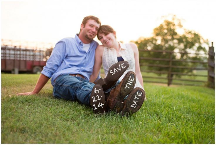 Country Engagement Photos | photos by http://jaysonmullendesign.com | http://www.thebridelink.com/blog/2013/09/15/country-engagement-photos/