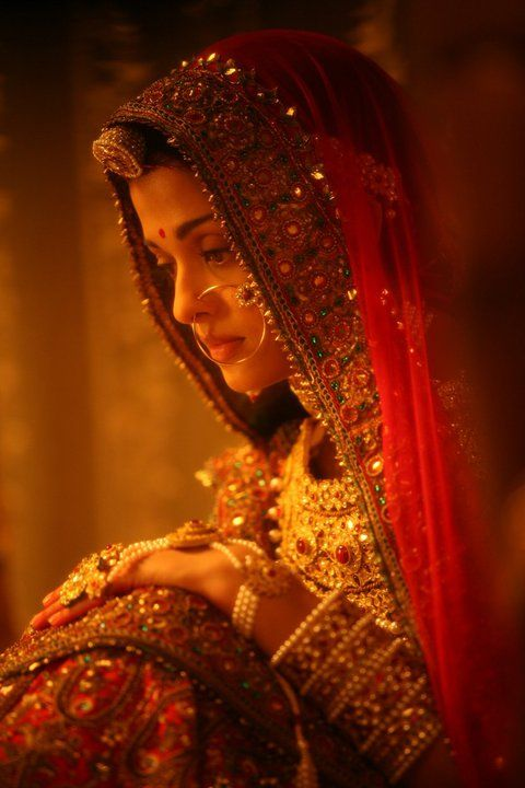 Jodha.. Dont even have words to describe this beauty! #mughal #indian #royalbride