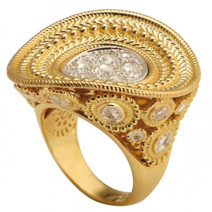 Diamonds set in gold by Carrera y Carrera