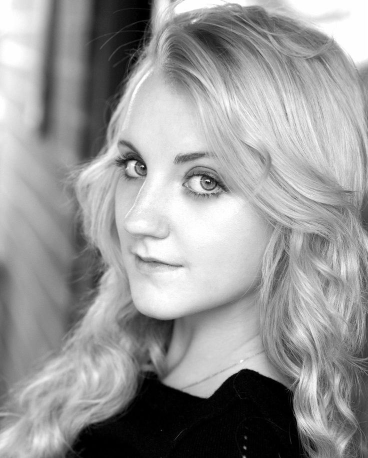 Evanna Lynch, this extremely beautiful woman overcame anorexia, bravo girl!