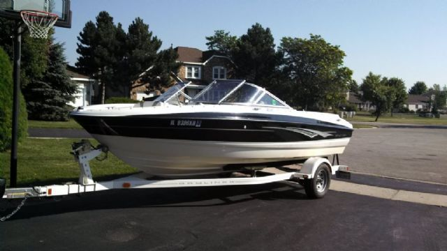 19.5 feet  2010 Bayliner unkown Ski and Wakeboard Boat , WHITE/BLACK for sale in CARY, IL