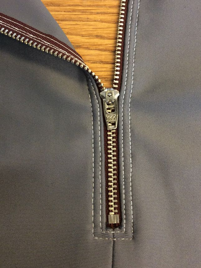 Cosplay by McCall's: tips for sewing zippers in stretch fabrics