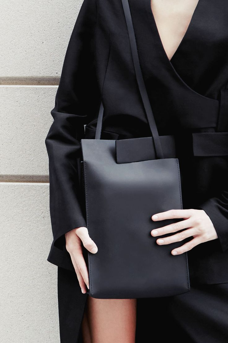 BLACK RIFT TAB BAG | CHIYOME - Minimalist Handbags | @andwhatelse