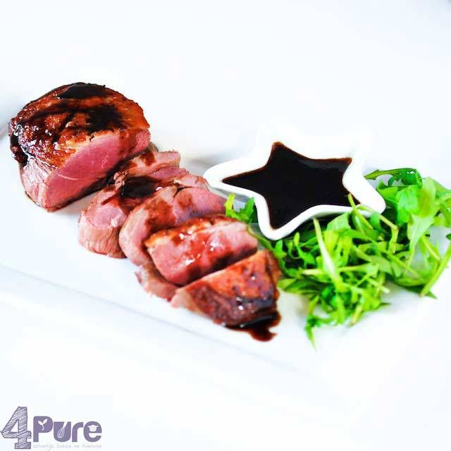 Christmas: duck breast filets with balsamic honey sauce