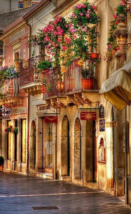 Sicily, Italy How beautiful so much character and style. How I wish I lived in Italy