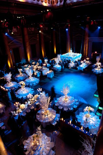 Blue lighting? - It sounds strange at first, but it looks amazing. the yellow light with overshadow of blue light ~~ so pretty. I wouldn't mind having a blue themed wedding hahah.