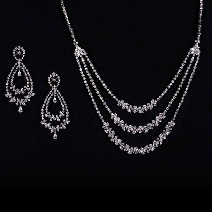 Indian Diamond Jewelry Set - See more amazing jewelry at DiamondScape.net!