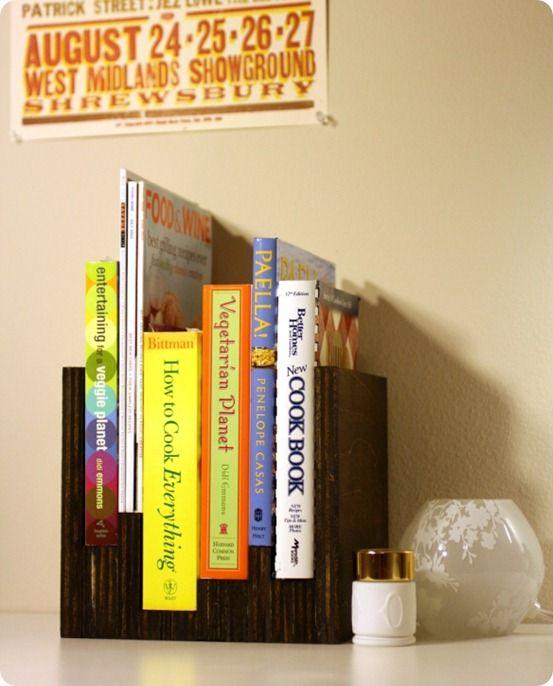 Anthro-Inspired Book Holder: Bookcases, Idea, Books Display, Books Holders, Books Shelves, Anthro Bookca, Diy Projects, Custom Bookshelves, Crafts
