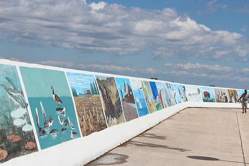 Gimli, Manitoba.......paintings along the seawall.