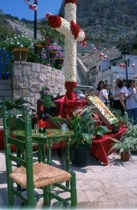 Cruces-de-Mayo-en-Barrio-Santa-Cruz